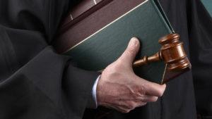 Об участии адвокатов в судах при рассмотрении административных дел
